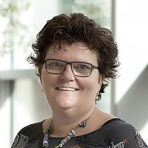 Jolanda Smelser